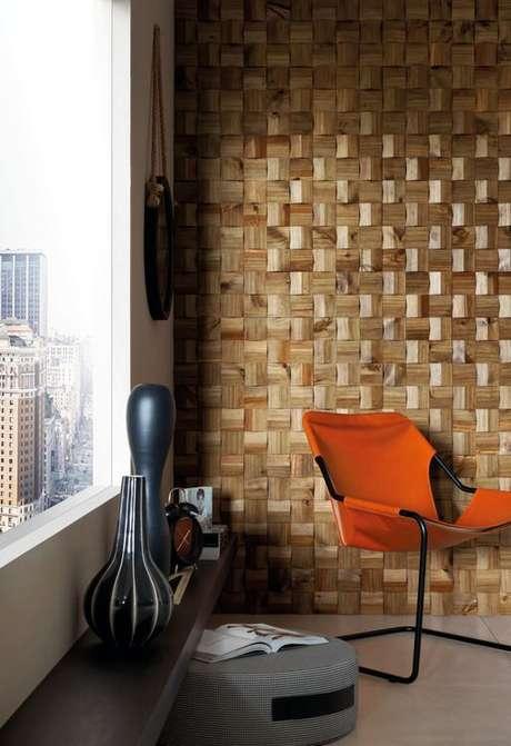 31. A parede 3D pode ter um aspecto de madeira. Projeto de Édy Marcozzi