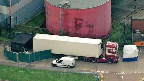 Um cordão de isolamento foi colocado no local onde o caminhão foi encontrado — e o Parque Industrial de Waterglade foi fechado