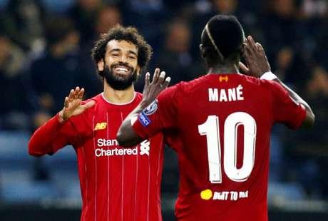 Salah comemora gol com Mané.