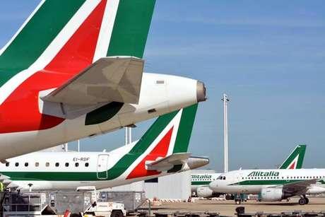Governo prorroga venda da Alitalia para 21 de novembro