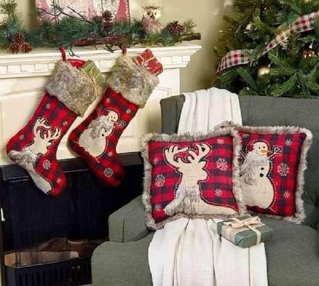 9. As cores mais usadas para a decoração natalina tradicional é o vermelho e o verde – Foto: Pinterest