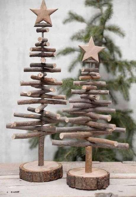 27. Pequenas árvores de madeira para decoração natalina simples – Foto: Pinterest