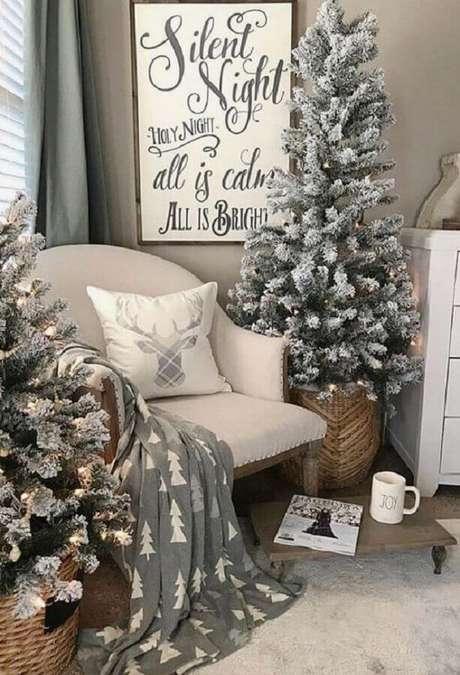 28. Decoração natalina para sala clean – Foto: Pinterest