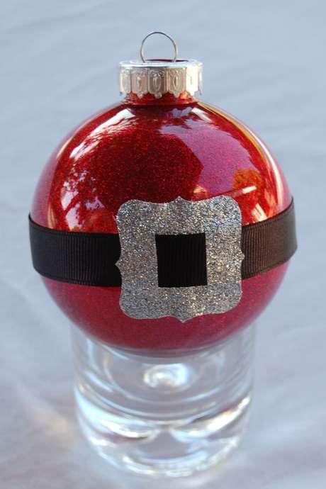 76. Suas bolas de natal podem reproduzir o Papei Noel. Foto: Pinterest