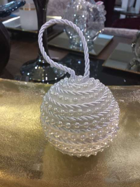 77. A suas bolas de natal podem ser delicadas. Foto: Pinterest
