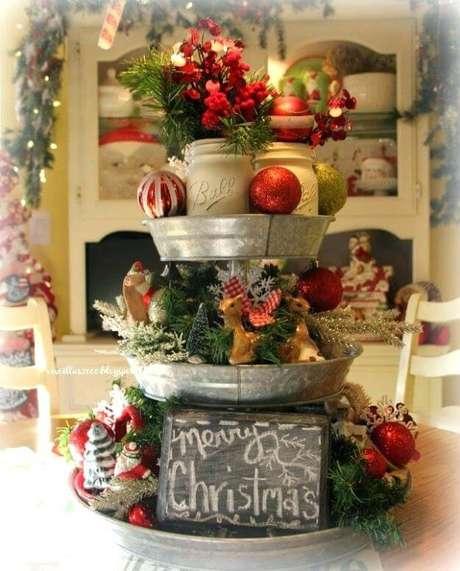 18. Arranjos de natal para mesa decorada – Por: Michel Andrew