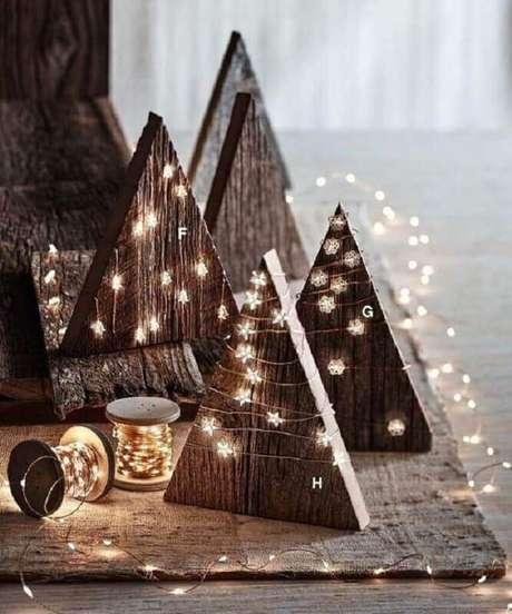 41. Decoração de Natal simples e rústica – Foto: BukeDecor