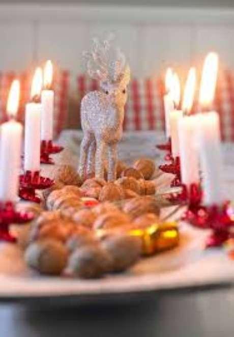 25. Decoração de mesa de natal – Por: Decor Fácil