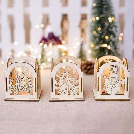 56. Decoração de Natal com caixinhas de madeira personalizadas – Foto: Pinterest