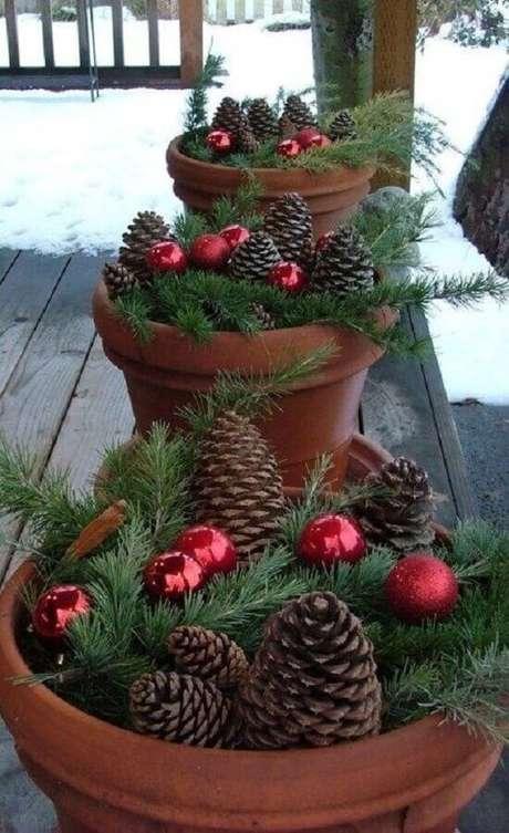 6. Busque inspirações para fazer a sua decoração natalina simples e barata – Foto: Cantinho da Cher
