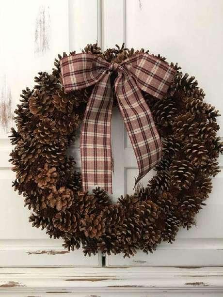 80. Guirlanda de pinhas para decoração de Natal – Foto: Etsy