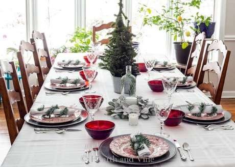77. A mesa de natal simples também é linda para o dia a dia – Por: Hearth and Vine