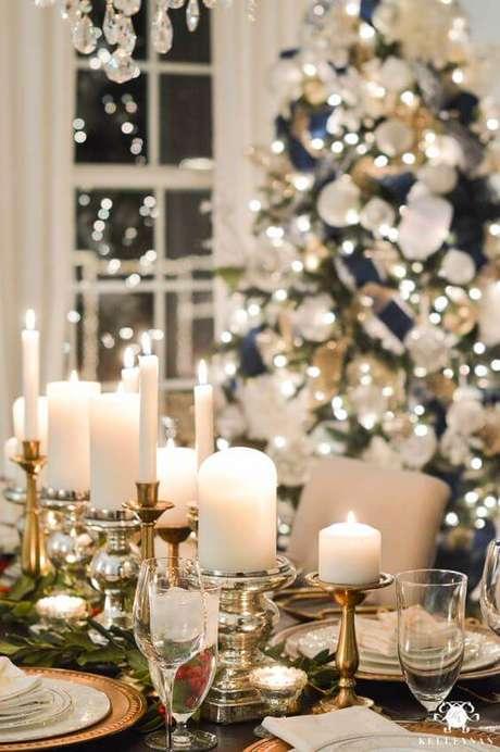 36. Velas são ótimas opções para decorar a mesa de natal – Por: Amalfiritoranti