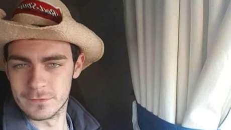 Motorista do caminhão foi identificado como Mo Robinson, de 25 anos; ele foi preso