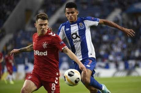 Tudo igual em Portugal para Porto e Rangers (Foto: AFP)