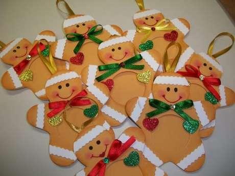 62. Como fazer enfeites de natal com EVA colorido. Fonte: Pinterest