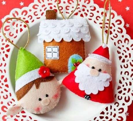68. Como fazer enfeites de natal super delicados para a árvore. Fonte: Barbara Scrapki