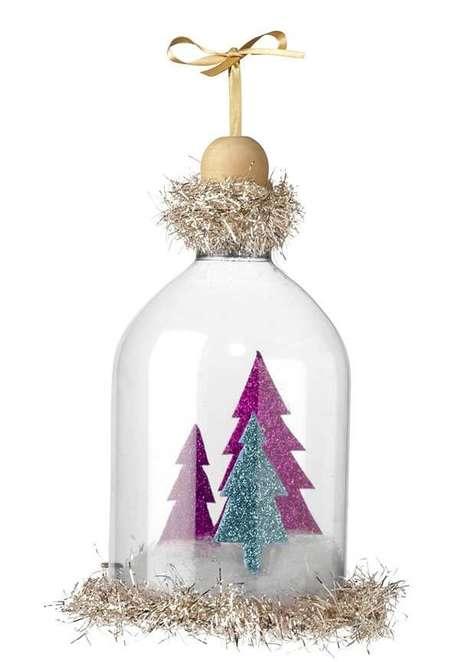 69. Como fazer enfeites de natal utilizando a cúpula da garrafa PET. Fonte: Pinterest