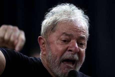 Lula cumpre pena por corrupção e lavagem de dinheiro desde abril do ano passado