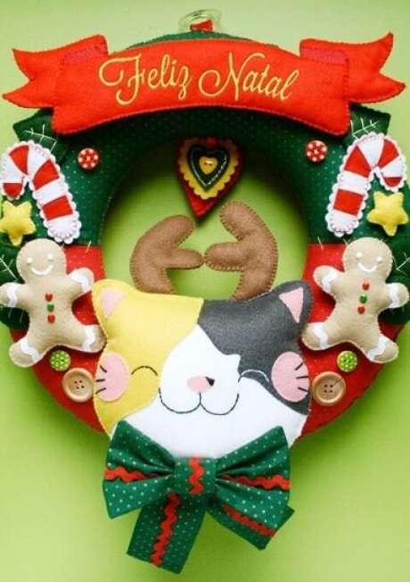 14. Guirlanda de natal em feltro com gatinho com chifres de rena. Foto: Browpicz