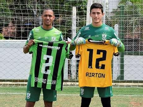 Leandro Silva e Airton estão garantidos no Coelho até o fim de 2020- (Mourão Panda/América-MG)