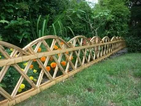 42. Cerca de bambu criativa para delimitação da área no jardim. Fonte: Pinterest