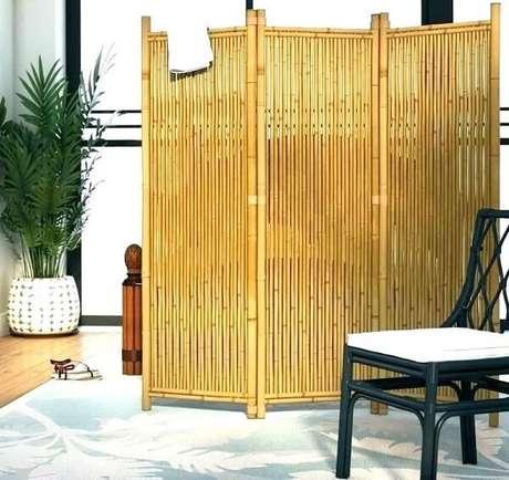 4. Cerca de bambu utilizada como biombo para divisória no ambiente. Fonte: Pinterest