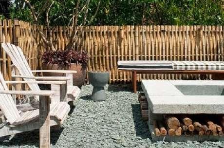 59. Ambiente externo cercado com bambu. Fonte: Pinterest