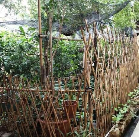 8. A cerca de bambu delimita a área da horta. Fonte: Pinterest