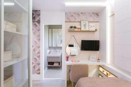 18. Você pode usar o papel de parede geométrico apenas em detalhes do cômodo. Projeto de SharonFliter Arquitetura e Interiores