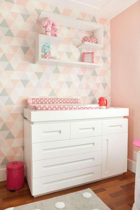 4. O papel de parede geométrico infantil deve ser delicado. Foto: Revista Viva Decora.