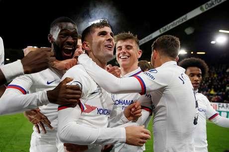 Christian Pulisic, do Chelsea, celebra gol feito sobre o Burnely pelo Inglês