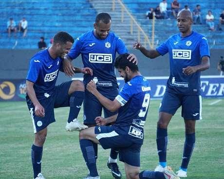 Paulinho Boia marcou golaço para deixar tudo igual no Walter Ribeiro (Foto: Divulgação/São Bento)