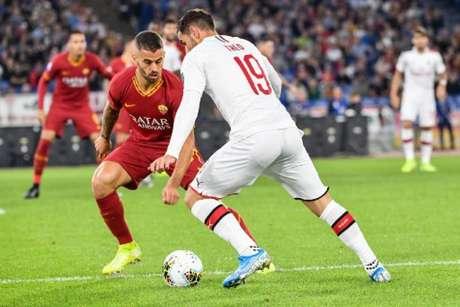 Milan e Roma se enfrentaram neste domingo pelo Campeonato Italiano (ANDREAS SOLARO/AFP)