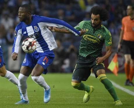 Porto bateu o Famalicão e assumiu a ponta do Campeonato Português (MIGUEL RIOPA/AFP)