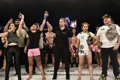 Isabela de Pádua venceu Rayanne Amanda e conquistou o título peso-palha no SFT 17 (Foto: Edu Rocha)