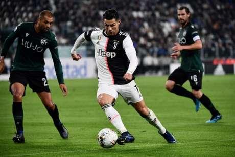 Cristiano Ronaldo é um dos maiores atacantes da história (Foto: Marco Bertorello / AFP)