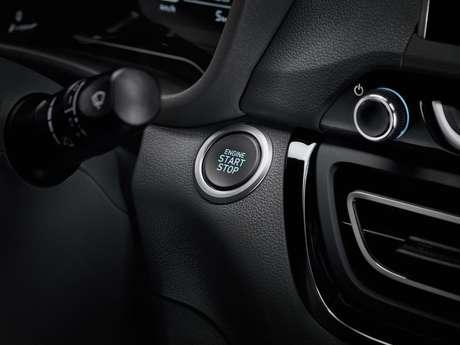 Versões mais caras têm partida do motor por botão.