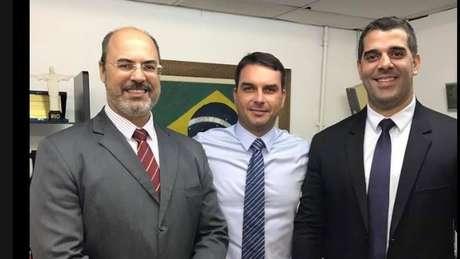 Apoio de Flávio Bolsonaro fez Witzel crescer durante a campanha para governo no Rio