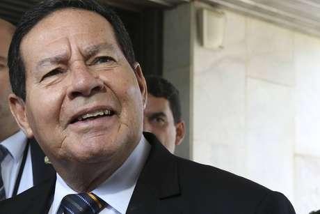 O presidente em exercício, Hamilton Mourão (PRTB), em entrevista coletiva no Palácio do Planalto