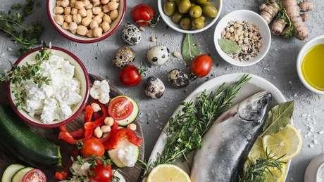 Segundo estudos, a dieta mediterrânea diminui os riscos de desenvolver Alzheimer