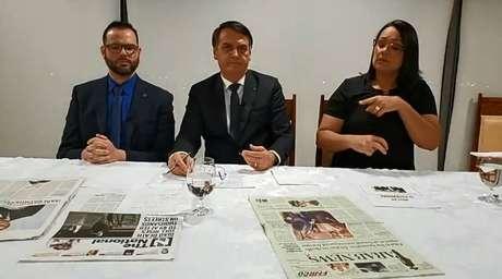 O presidente Jair Bolsonaro em sua transmissão semanal nesta quinta-feira, 31.