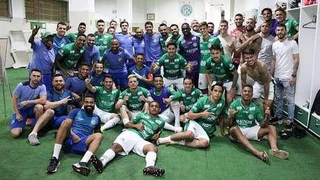 Jogadores do Guarani comemoram vitória sobre o Sport