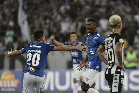 Cruzeiro enfim conseguiu sair da zona da degola (Foto: Marcello Dias/Light Press/Cruzeiro)