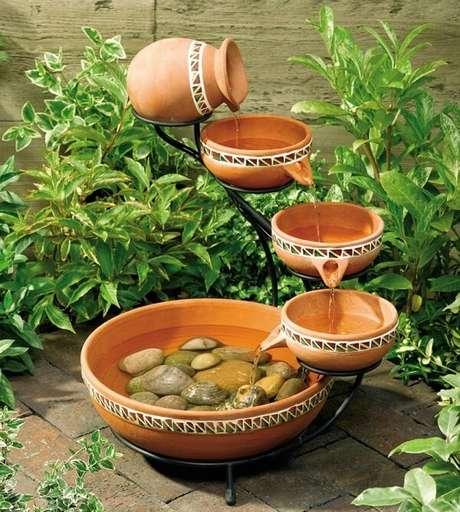 70. As fontes são muito utilizadas na decoração de jardim de inverno. Fonte: Pinterest