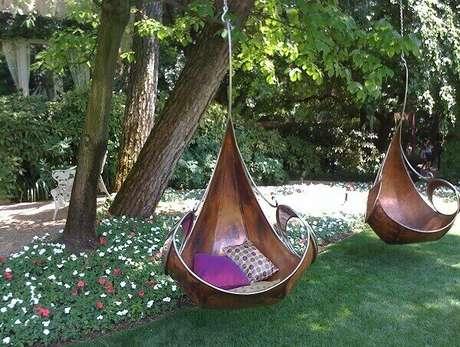 44. Enfeites de madeira para jardim formam balanços. Fonte: Pinterest