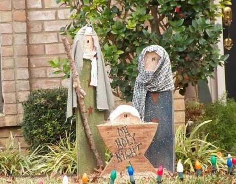 4. Enfeites de natal para jardim formam um lindo presépio. Fonte: Pinterest