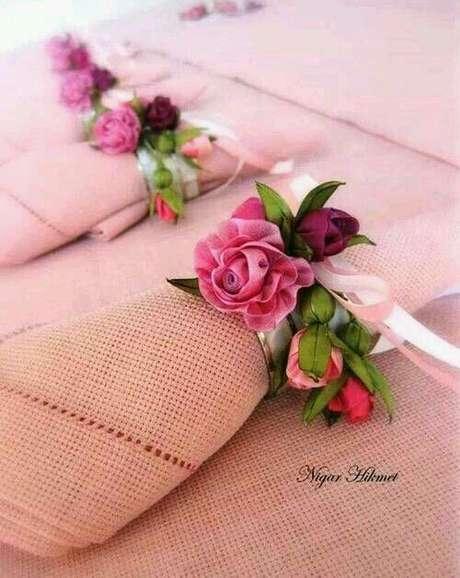30. Porta guardanapo de tecido com flores – Por: Casa da Cris