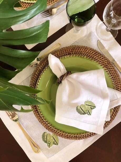 15. Guardanapo de tecido bordado para festa rústica – Por: Passional Table