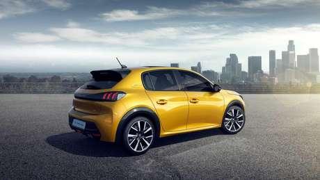 O novo Peugeot 208 tem assistente de colisão frontal e park assist na Europa.